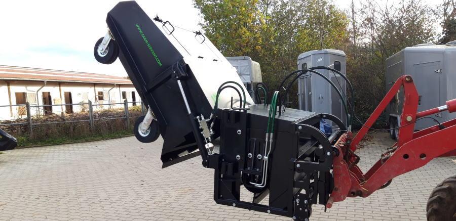 Maschine zum Abäppeln im Offenstall